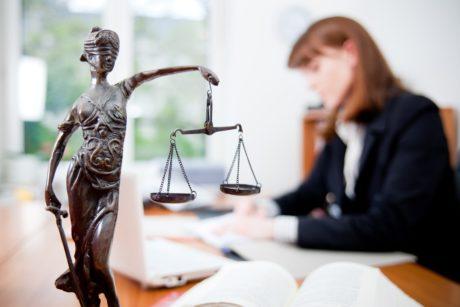 Помощь гражданского адвоката