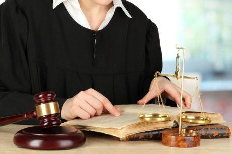 Сопровождение юриста в суде